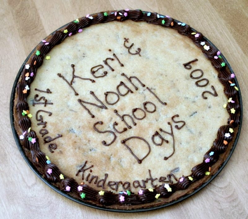 Easy recipe for Chocolate chip cookie pizza for birthdays or back to school treat.