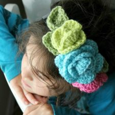 Lots of Ways to Use Crochet Rosettes