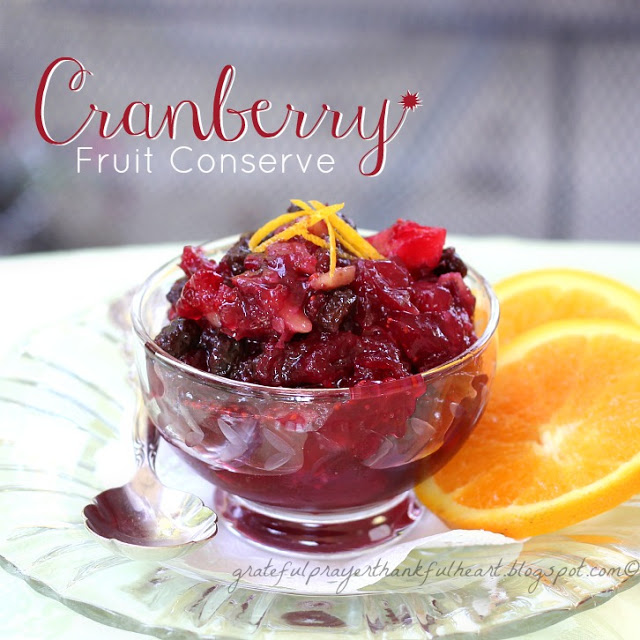 10 best cranberry recipes including pie, quick bread, scones, cranberry sauce, crisps and salad dressing using fresh or frozen cranberries.