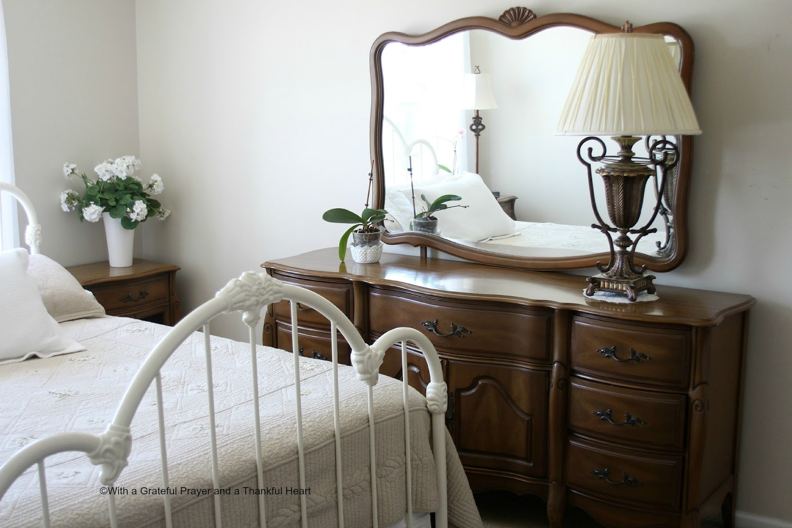 vintage french provincial bedroom set grateful prayer thankful heart. Black Bedroom Furniture Sets. Home Design Ideas