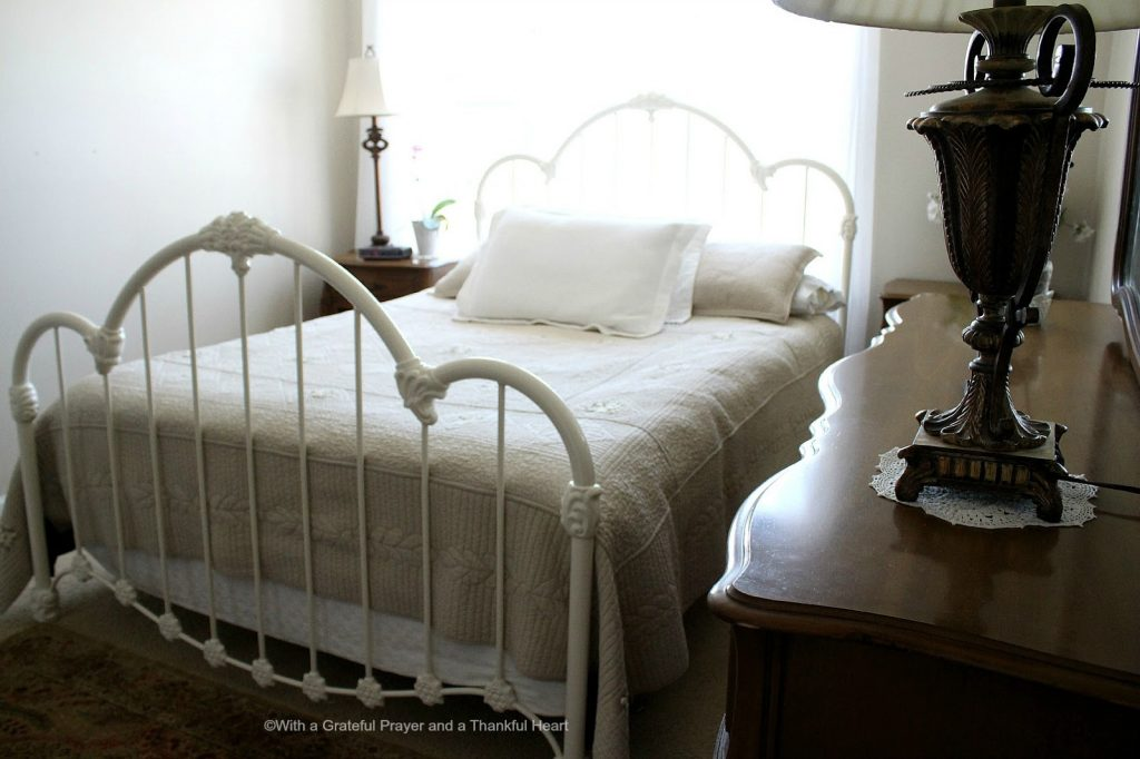Vintage french provincial bedroom set grateful prayer - White heart bedroom furniture ...
