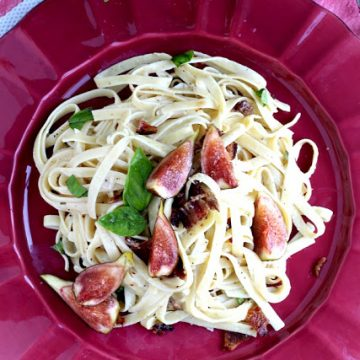 Linguine with Bacon, Figs and Basil