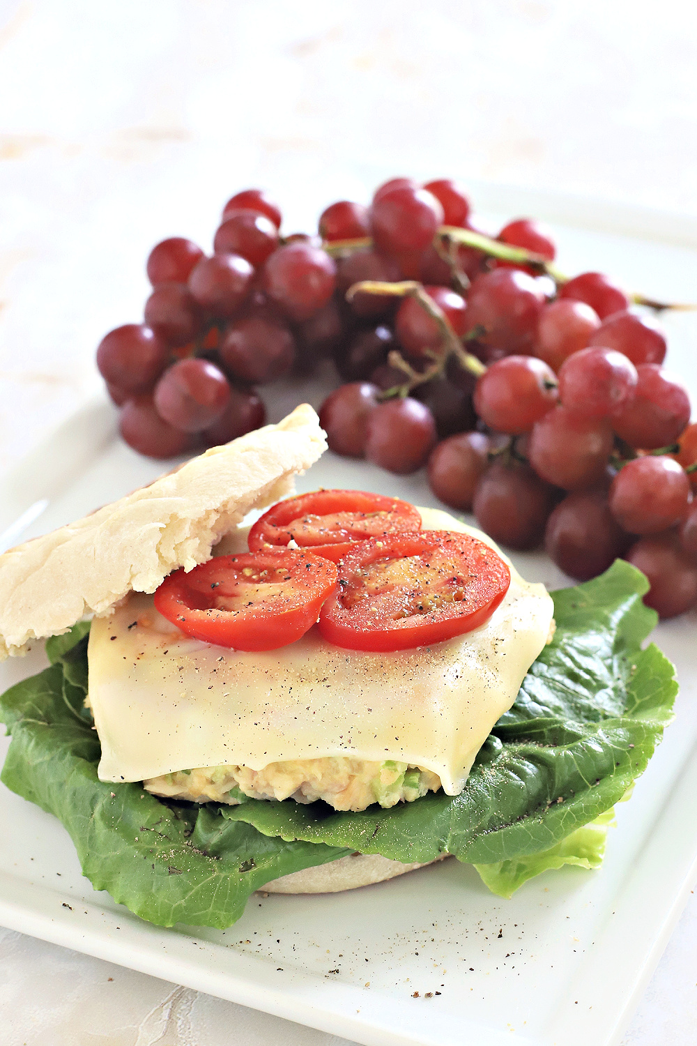 Easy recipe for a classic tuna melt with cheese
