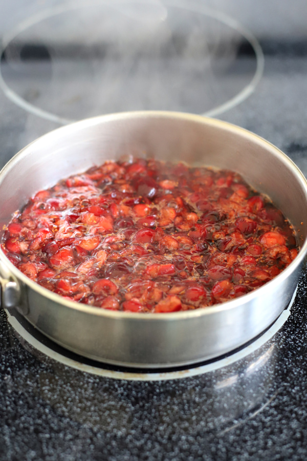 simmering cranberry bread filling