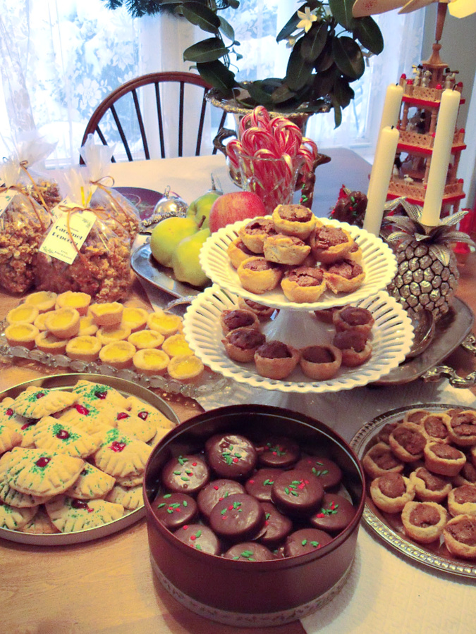 The snow day was perfect for filling the house with the scent of baking cookies and treats like those in a sweet Shoppe. Outside was a picture of white drifts of falling snow and inside was filled with Christmas music and lots of sugar, butter and baking sheets.