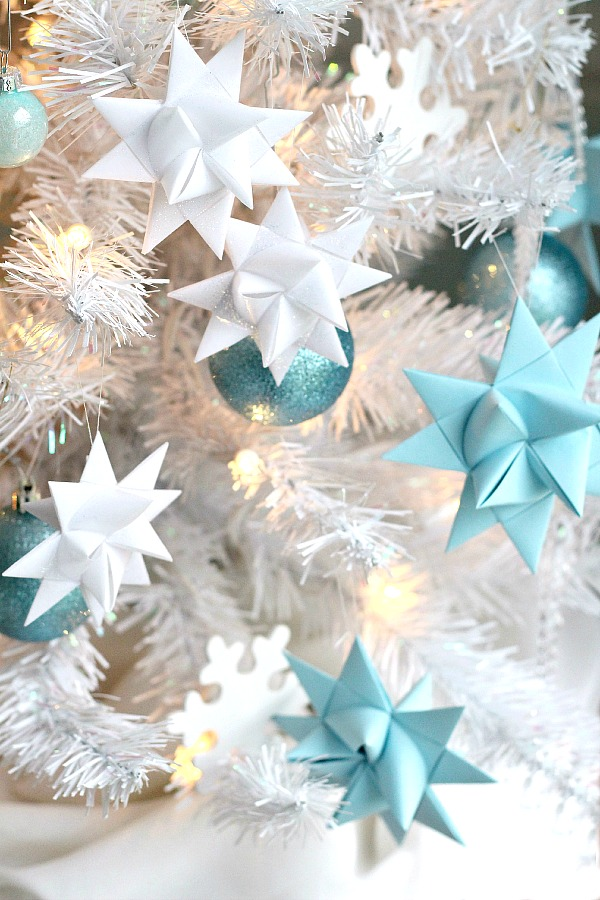 Folded paper German Stars video tutorial for making and waxing