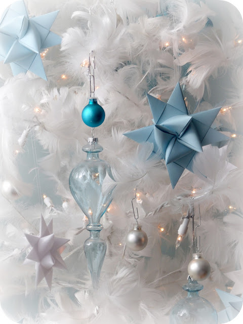 Folded paper German stars remind many of childhood when they were made at Christmas time. Easy to follow, step by step video tutorial teaches you how.