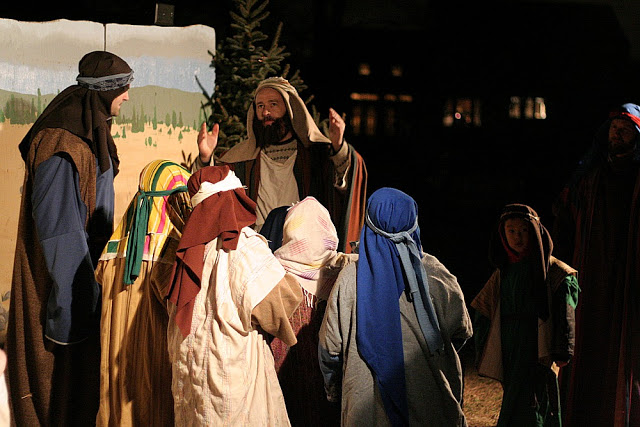 Living nativity is a live production with 13 walk-through scenes from creation to the ascension of Jesus. A Christmas tradition celebrating His birth.