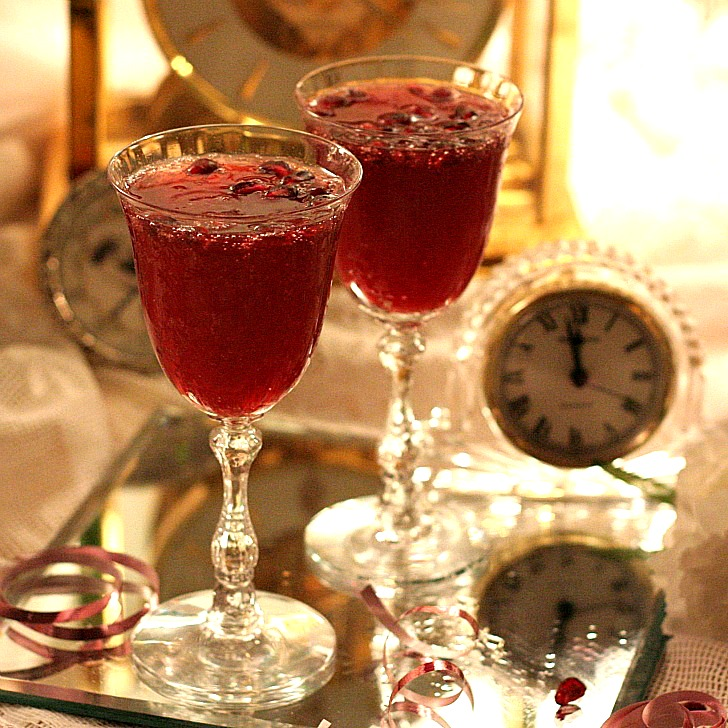 Easy recipe for a lovely Pomegranate Champagne Toast for New Year's Eve. Post also includes a recipe for Pomegranate Vinaigrette with How-to directions for cutting the pomegranate.