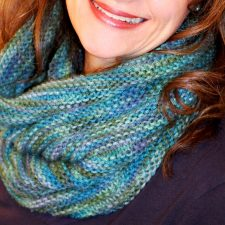 Cute Knitted Cowl Pattern