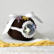 Crochet Chocolate Diorama Easter Egg