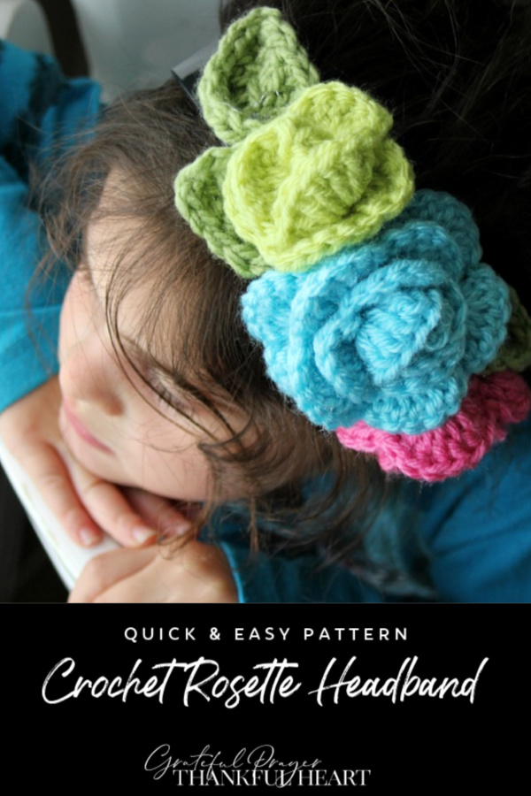 Make the cutest headbands for your little girl covered in roses. Free and easy pattern to crochet rosettes for crafting.