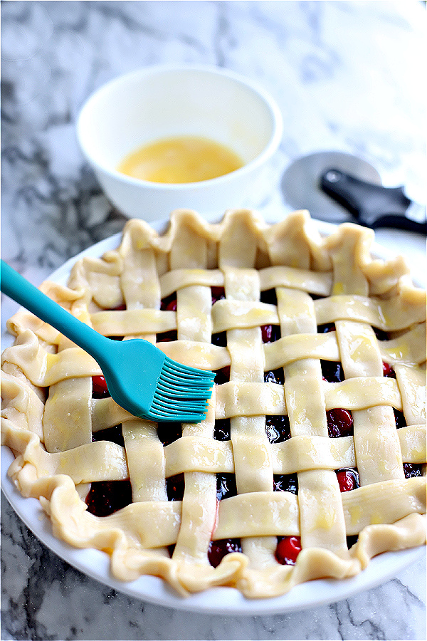 egg wash for cranberry and fig pie lattice crust