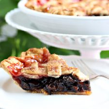 Cranberry and Fig Pie