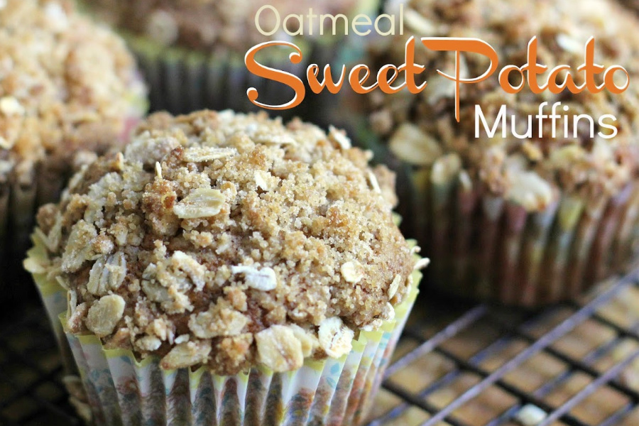 Easy recipe for healthy oatmeal sweet potato muffins with a sweet crumb topping. Make with fresh or canned sweet potatoes, cinnamon and nutmeg.