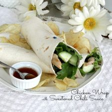 Chicken Wrap with Sweetened Chili Sauce