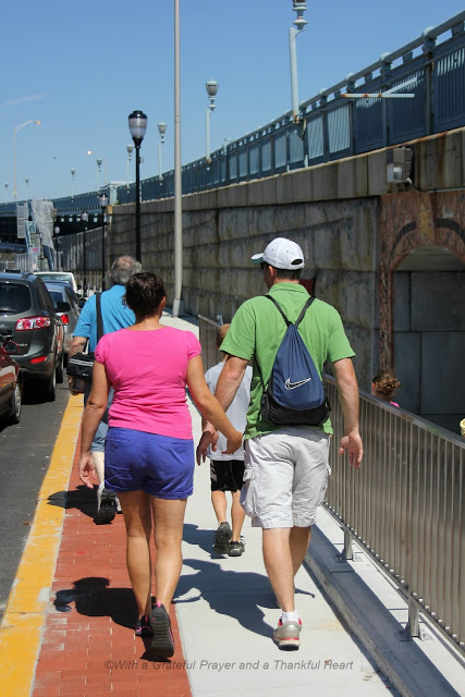 Walking the Ben Franklin Bridge
