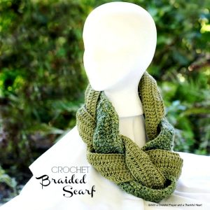 Easy pattern for crochet infinity braided scarf.