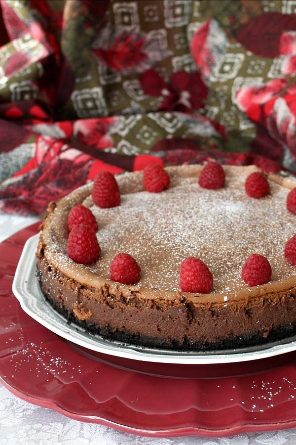 Make a creamy and chocolaty dessert this Valentine's Dayfor the Love of your life. Chocolate hazelnut cheesecake with an Oreo crust is perfectly decadent.