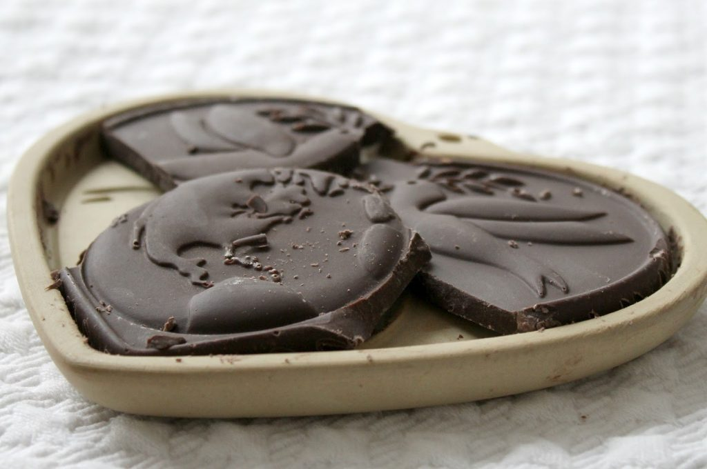 heart shaped mold chocolate bar