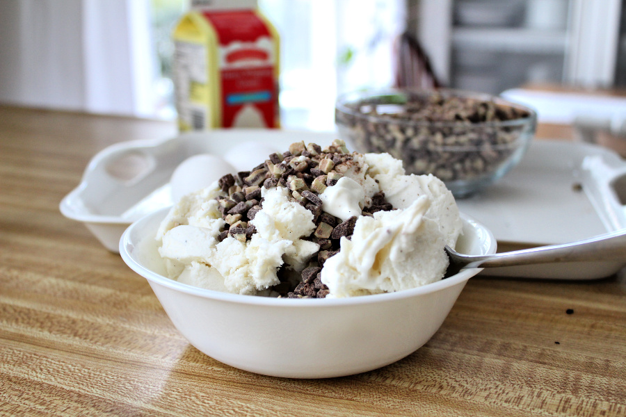 Easy recipe for frozen minty mousse pie with a layers of ice cream, chocolate mousse and whipped cream in a cookie crust is just right for St Patrick's Day