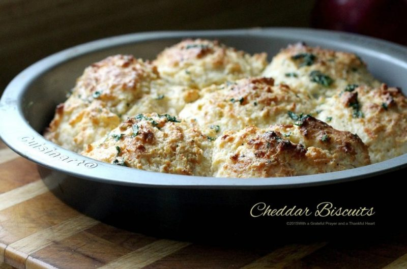 easy to make homemade cheddar biscuits