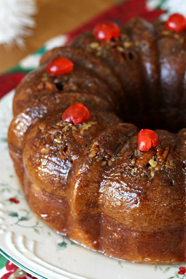 For serving or sharing, festive and moist rum cake with butter rum glaze is ready for the oven in no time because it begins with a cake mix! Gift in a holiday tin or on a pretty plate tied up with cellophane and ribbon for a lovely presentation.