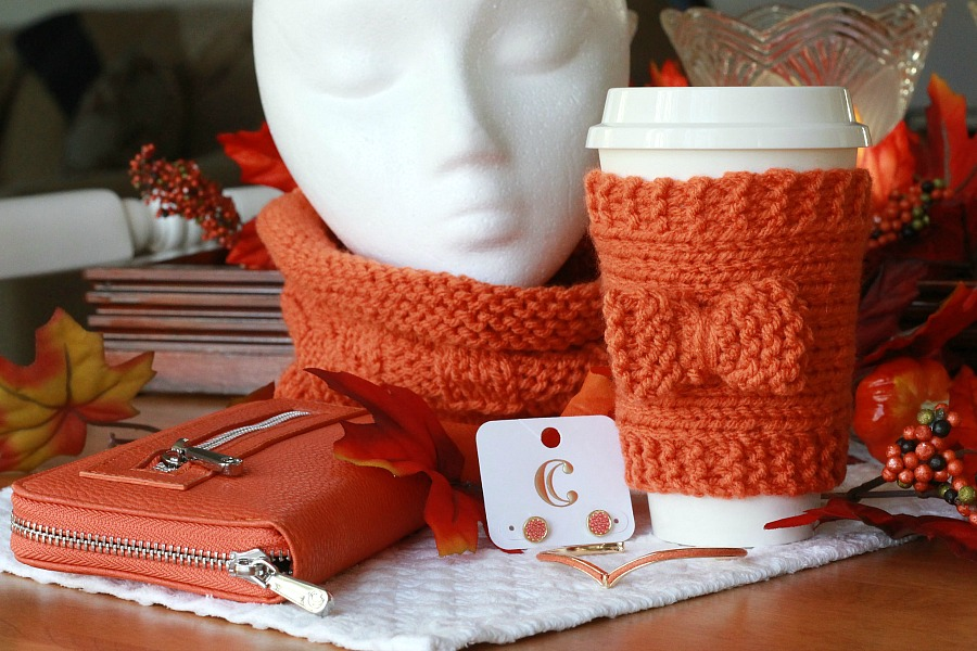 Knitted Beverage Cozy is an easy projects even for beginners. Make in your favorite color to keep your pumpkin spice coffee or hot chocolate warm.