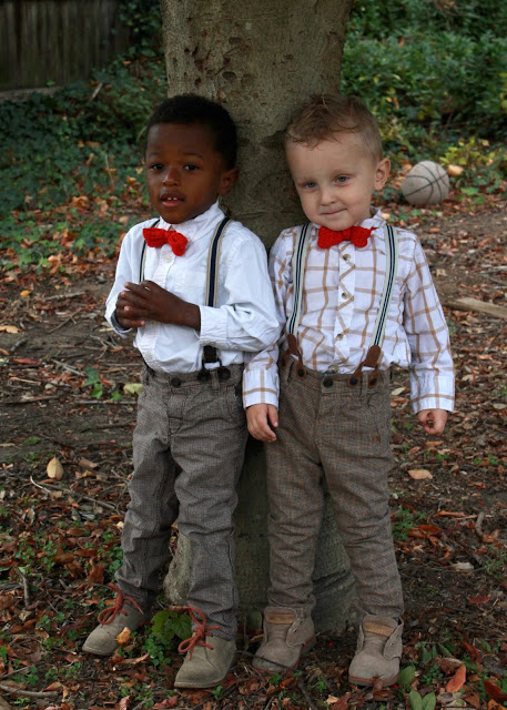 Little boys look adorable dressed up with suspenders and red bow ties. You can make the bow ties quickly with this easy knitted bow tie pattern. Sweet for any occasion.