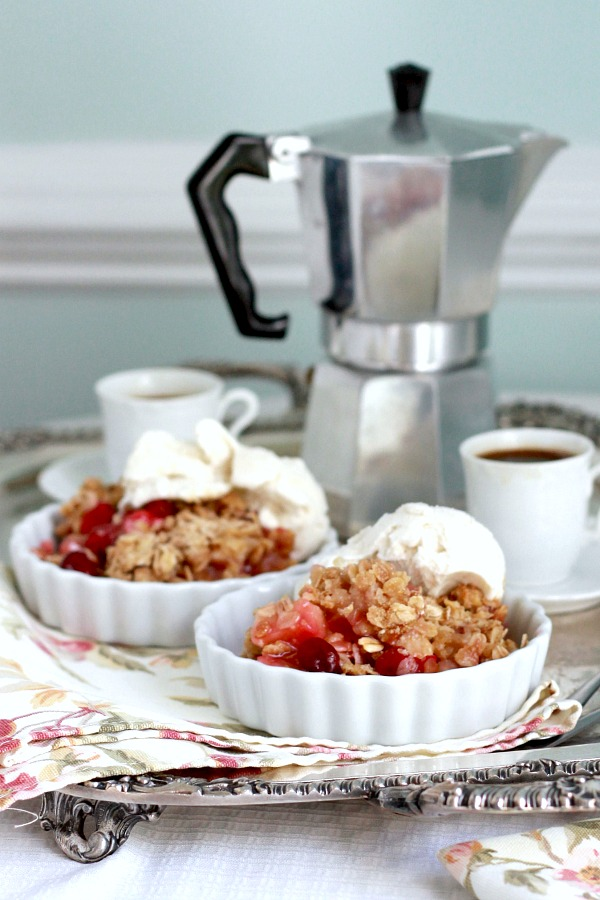 Sweet and tart Cranberry Apple Crisp with an oatmeal crumb topping is a lovely autumn dessert. Serve warm with ice cream or dollop of whipped cream.