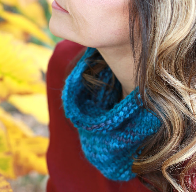 Here is a very basic and quick-to-make cowl that is stylish and warm. It is made from alpaca yarn but can be made from your favorite yarn. Warm and stylish!