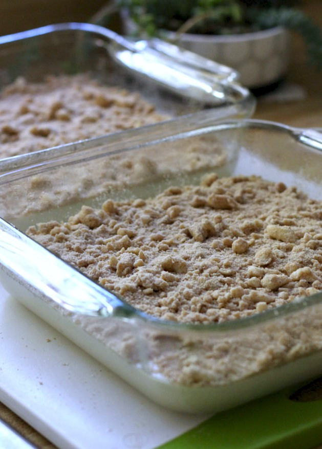 Easy recipe for a favorite coffee cake with a brown sugar crumb topping. Perfect for breakfast with coffee or at break time.