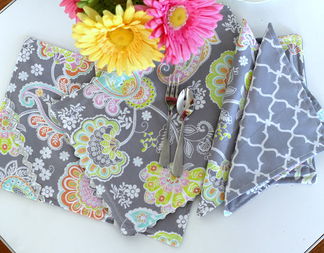 Easy sewing project of reversible kid-sized place mats and cloth napkins for child's table and chair kitchen set