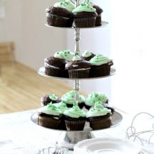 Minty Cream Cheese Frosted Cupcakes