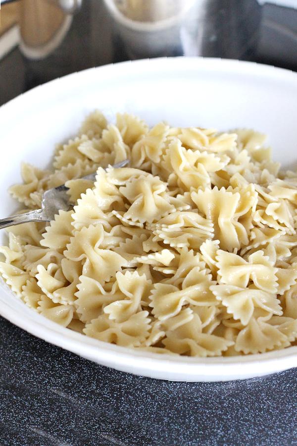 pasta pesto and peas