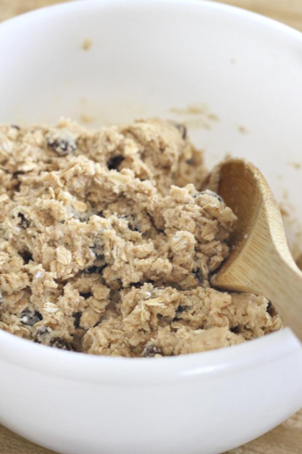 making oatmeal raisin cookies