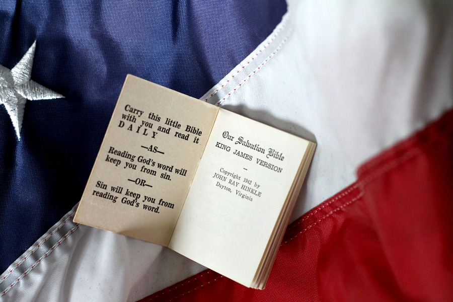 Lest we forget Memorial Day remembrance of those who served and gave their all. Quotes and verses from a soldiers little Salvation Bible for Decoration Day.