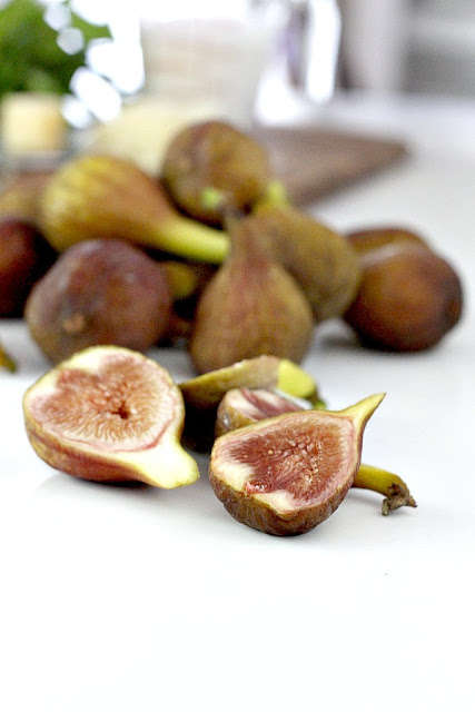 sliced fresh figs from backyard tree