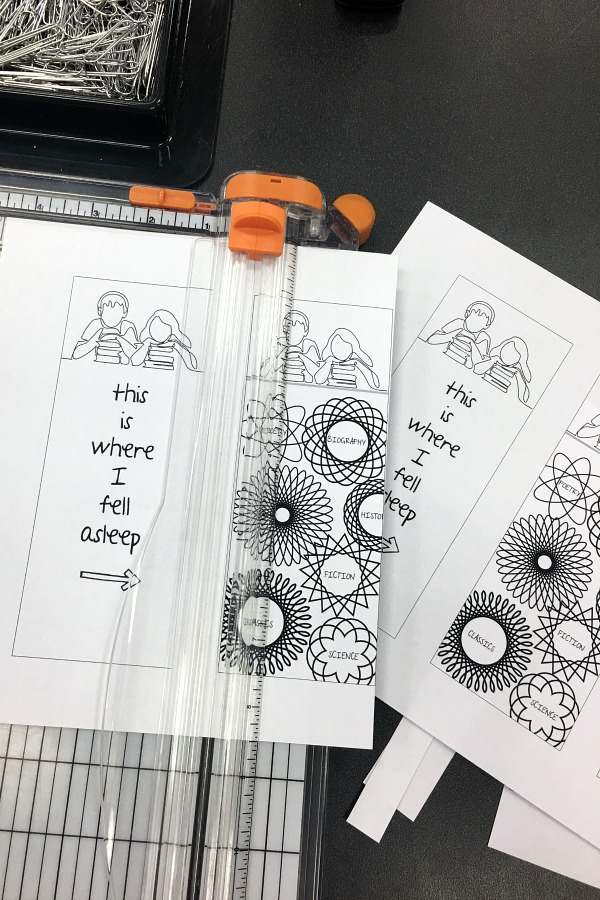 School is out! Get FREE printables, kids Summer Reading Log and Bookmarks. With 10 Tips to Encourage Summer Reading.