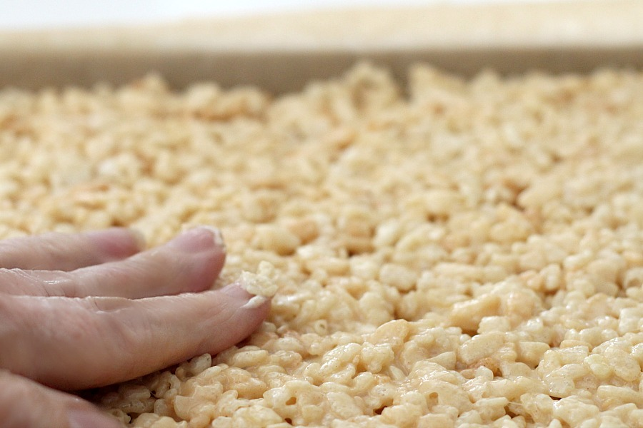 Easy recipe for hazelnut Chocolate & Peanut Butter Rice Krispies Roll, fun treats for adults and kids.