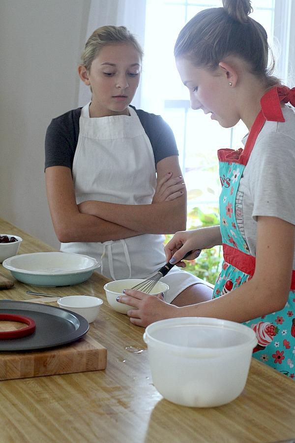 Combine the flour, sugar, and salt in medium mixing bowl.