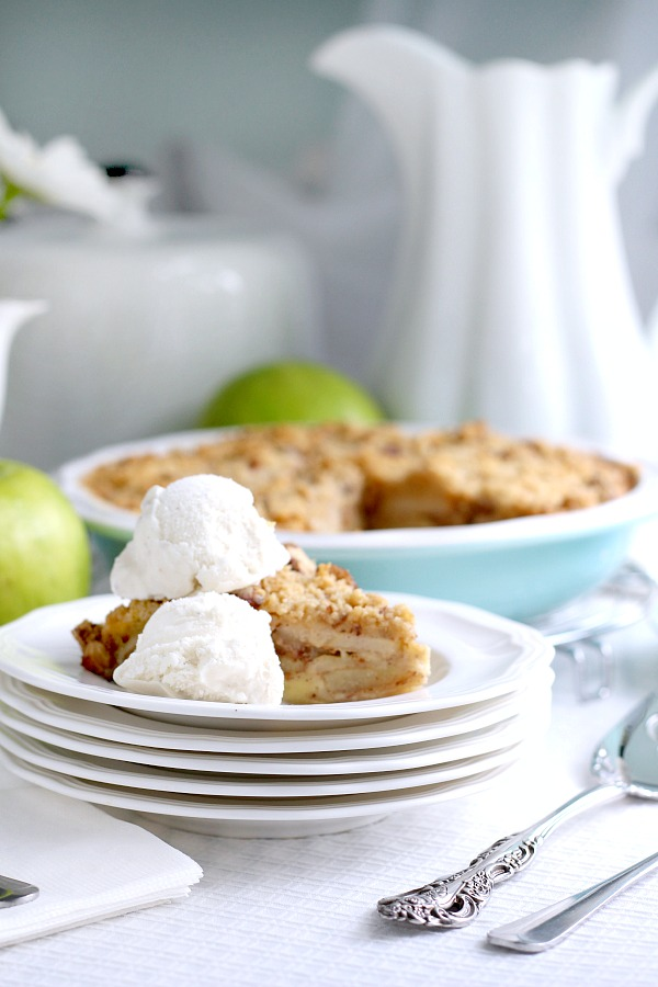 Lots of yummy apples fill this easy pie that makes its own crust. Topped with a sweet and crumbly streusel for a perfect dessert anytime.