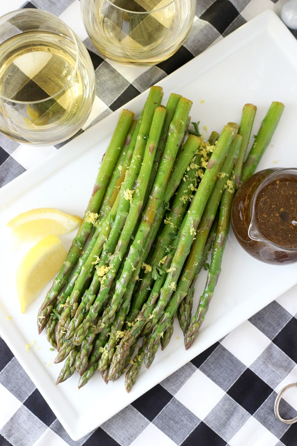 Looking for an easy and delicious side dish for your Easter or holiday dinner? Marinated balsamic asparagus is made ahead allowing the balsamic salad dressing to flavor the fresh spring asparagus. Great with a baked ham, roasted turkey or prime rib meal.