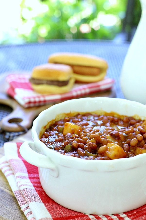 It doesn't take long to make really tasty Hawaiian baked beans with this easy recipe. Pineapple, brown sugar and molasses adds great flavor. Make on the stove top or bake in the oven.