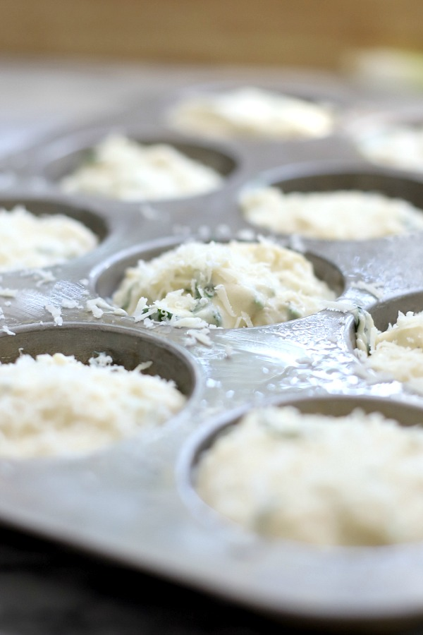 Easy recipe for Cheese and spinach muffins just right for a dinner. Savory flavor great for brunch and a perfect grab and go breakfast for busy mornings.
