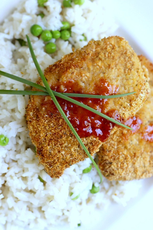 Tender and moist pork chops made quick and easy with a favorable, homemade shake and bake coating, Just coat and bake for a delicious family meal kids love.