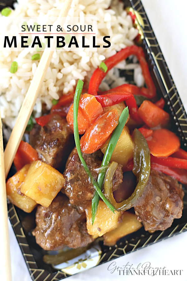 Pineapple chunks, bell pepper and sliced carrots in a lightly tangy sauce, sweet and sour meatballs is a little retro recipe from the 70's and 80's. Easy and flavorful, it is worth revisiting for a great weeknight or family dinner.