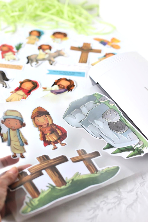 Easter Story printables for kids, homeschoolers, Sunday school teachers to recreate Bible scripture scenes like Jesus entry into Jerusalem on a donkey, waving palm branches, the Last Supper, soldier guarding the tomb, Mary weeping, the empty tomb and the resurrected Jesus.