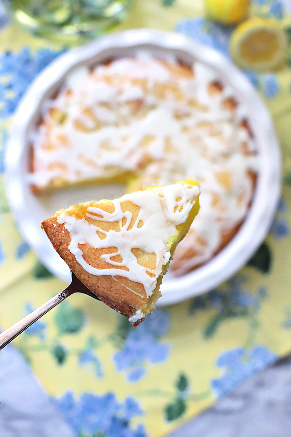Quick and easy recipe for frosted lemon Danish pie. Similar to bars, with the perfect balance of tart and sweet using pie filling.