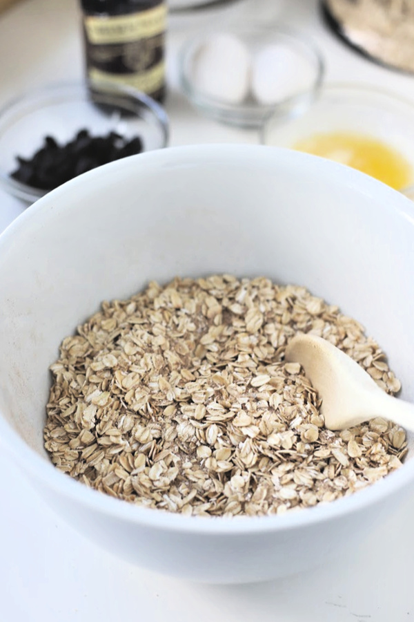 Ingredients for making baked oatmeal